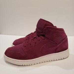 Sale - Jordan size 5.5 youth big kids 554725-625